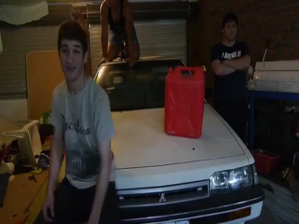 Fail - Harlem Shake v garáži