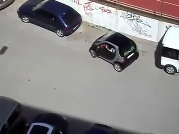 Fail - Žena parkuje s autem