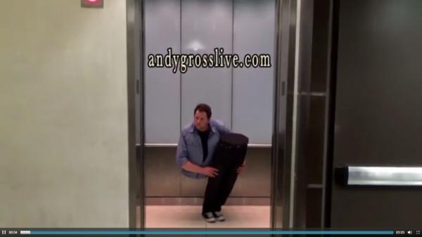 Hororová nachytávka ve výtahu