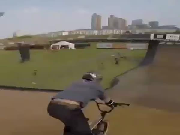 Trik - Výměna kola za letu