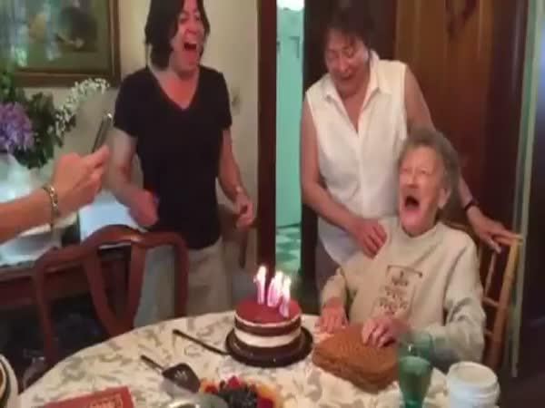 Babička slaví 102. narozeniny