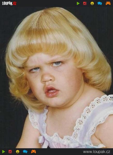 GALERIE - Nejhorší fotky z dětství