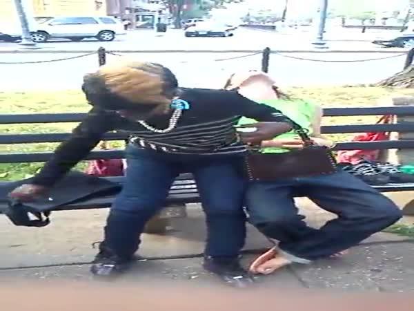 Dvě holky a marihuana Scooby snax
