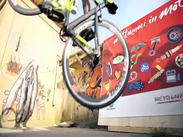 Vittorio Brumotti - Freestyle na silničním kole