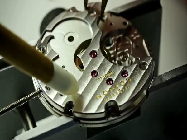 Jak se dělají luxusní německé hodinky