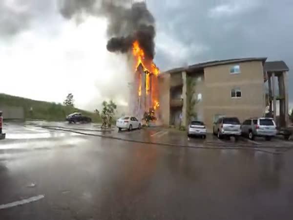 Záchrana pejska z hořícího domu
