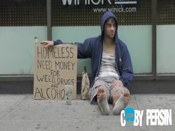 Experiment - Bezdomovec s dítětem