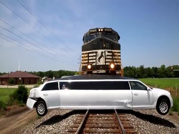 Když se vám limuzína sekne na přejezdu