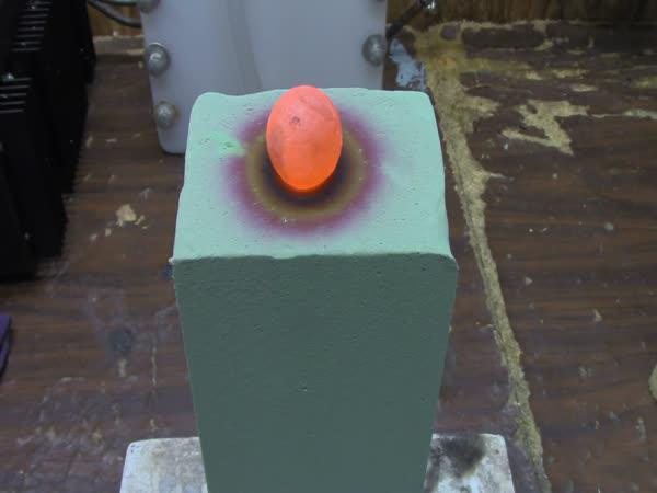 Pokus - Pěna a žhavá koule