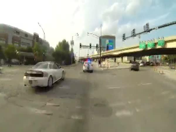 Souboj policie a motorkářů