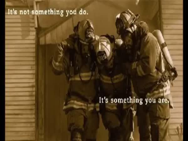 Náročná práce hasičů
