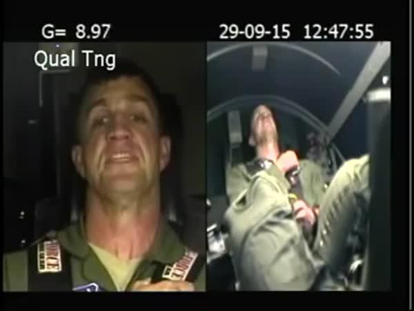 Trénink přetížení pilotů stíhaček