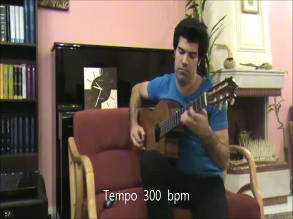 Nejrychlejší kytarista na světě