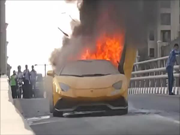 Jak zničit Lamborghini
