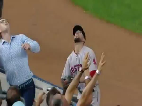 Marný divák na baseballu