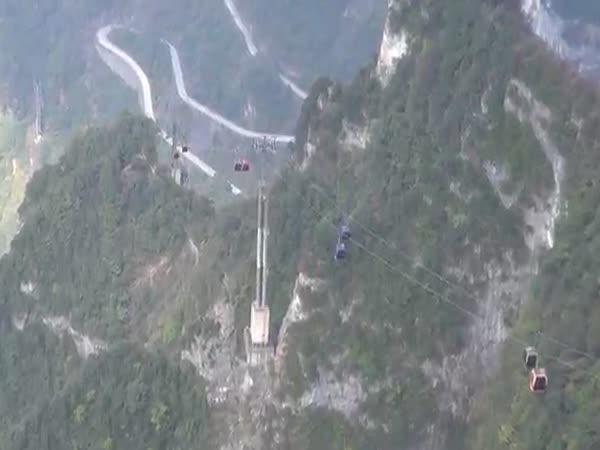 Čína - Most plný adrenalinu