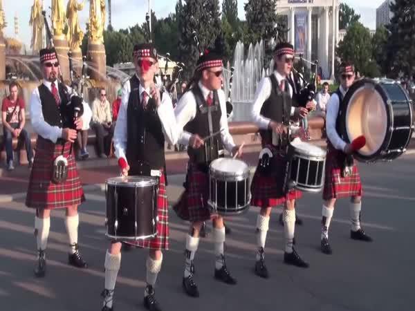 Jak se hraje na dudy v Rusku