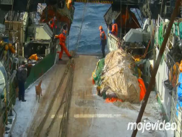 Rybář přes palubu