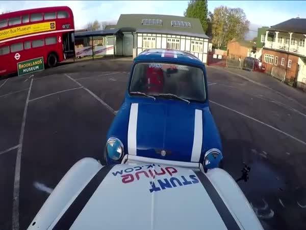 Jak zaparkovat Mini Cooper