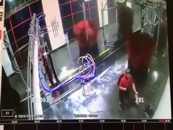 Zaměstnanec roku z myčky vozidel