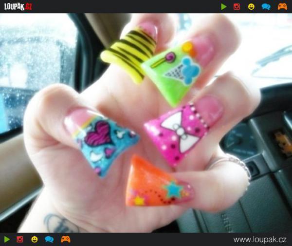 GALERIE - Nepovedené gelové nehty