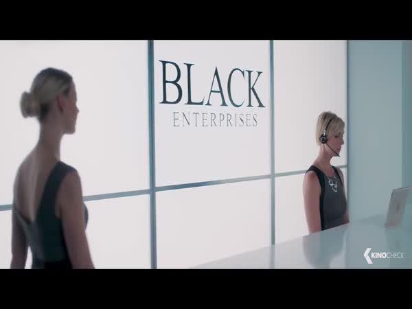Parodie - Padesát odstínů černé