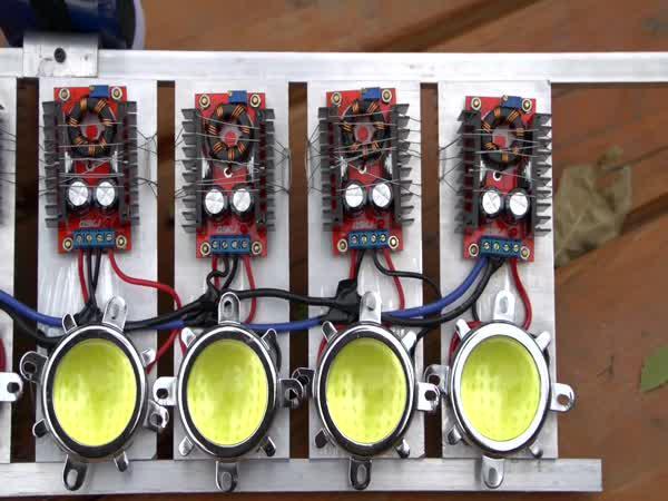Nejsilnější LED baterka na světě