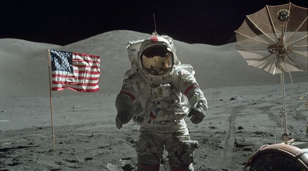 GALERIE - Nové fotografie z letů Apollo