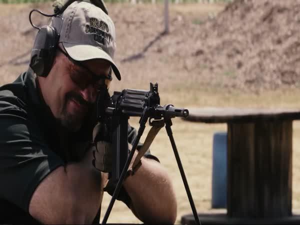 Slow Motion - puška FN FAL