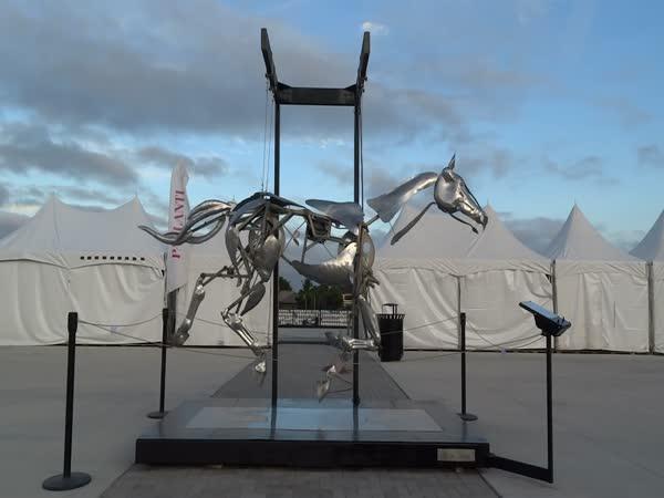 Mechanický cválající kůň