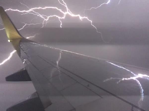 Letadlo & blesk