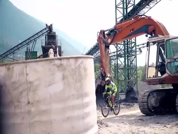 Bláznivé triky na silničním kole