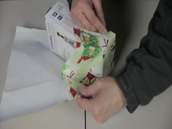 Balení vánočního dárku do 30 vteřin