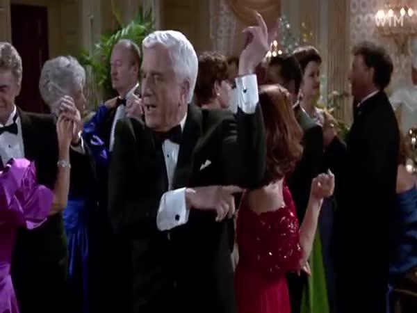 100 filmových postav tančí na jednu píseň