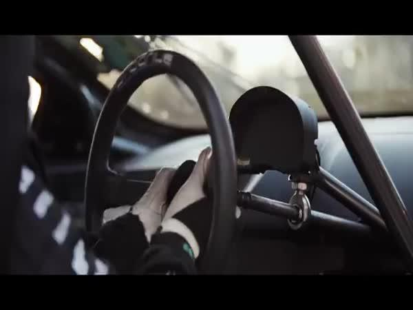 Mustang vs Lamborghini
