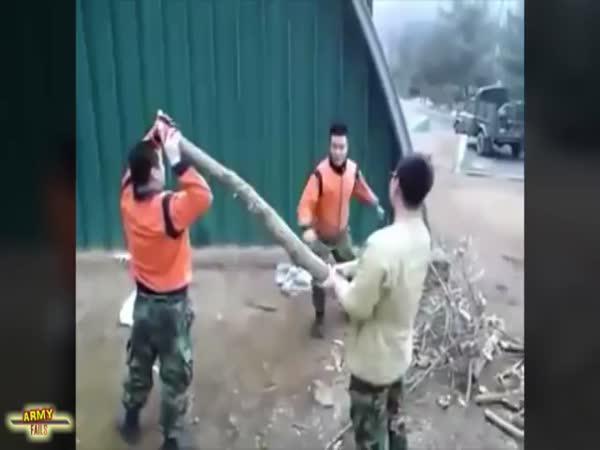 Největší blbci - Vojenský speciál