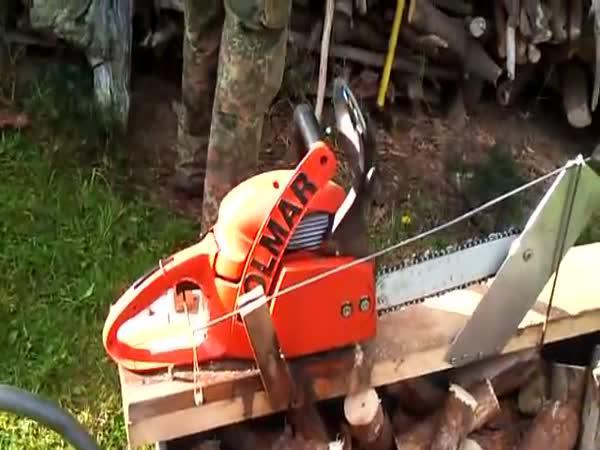 Vychytávka na řezání dřeva