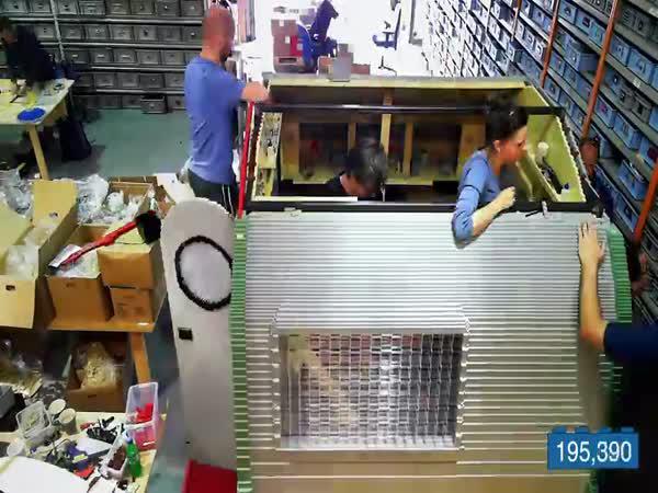 Karavan postavený z LEGO kostek