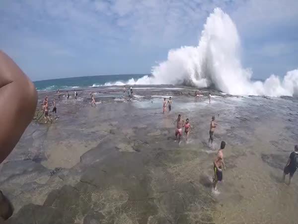 Pozor, obrovská vlna!