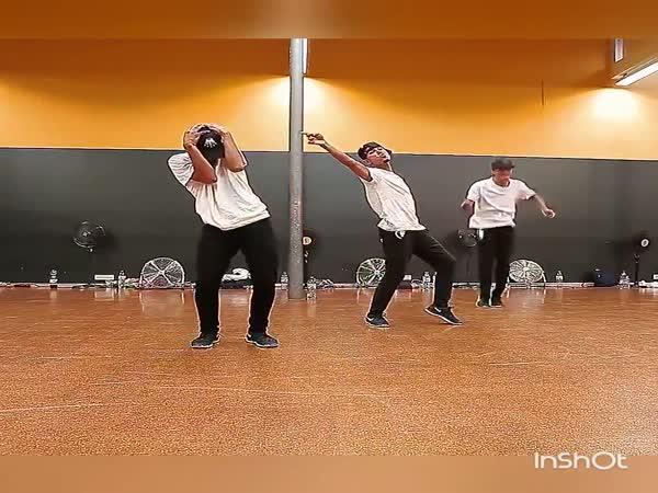 Moderní tanec ve třech
