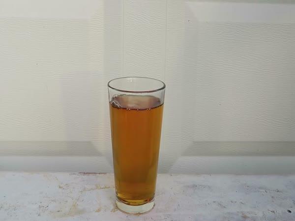 Pokus - Cola vs bělidlo