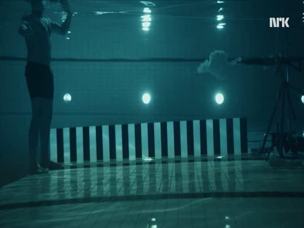 Jak střílí zbraň pod vodou