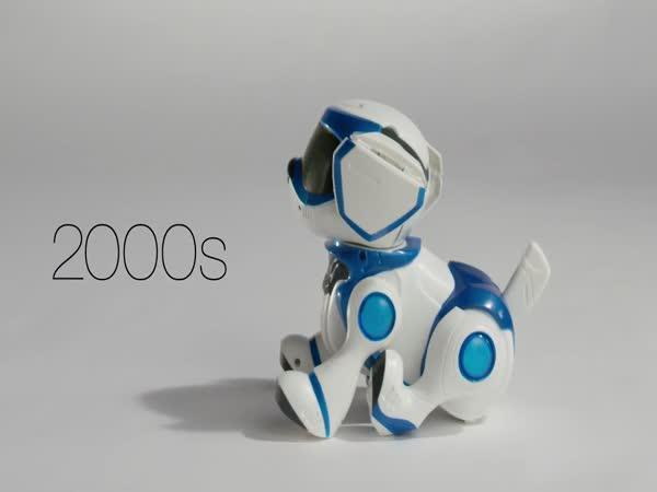 100 let hraček