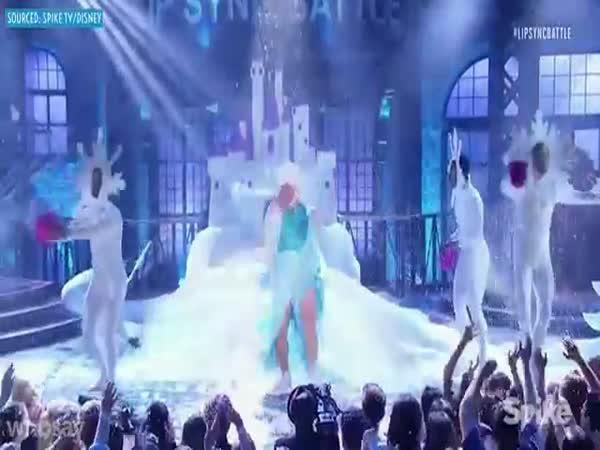 Oslnivý tanec Channinga Tatuma
