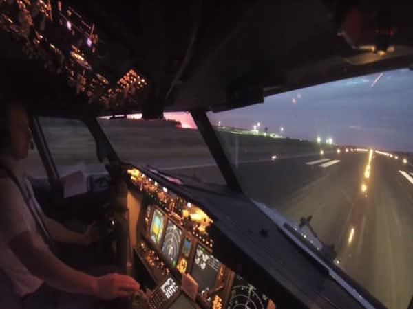 GoPro - Vzlétnutí Boeingu z kabiny