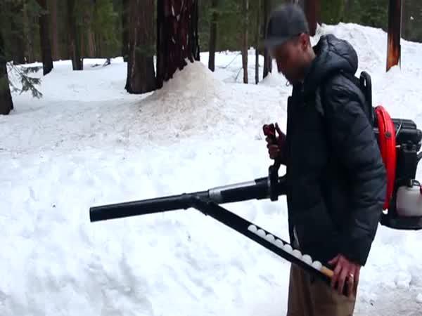 Jak vytvořit sněhokulomet