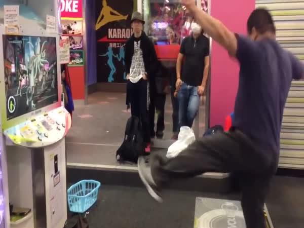 Výborný taneční výkon tlouštíka