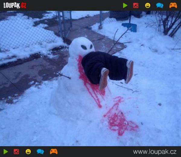 GALERIE - Odvrácená tvář sněhuláků