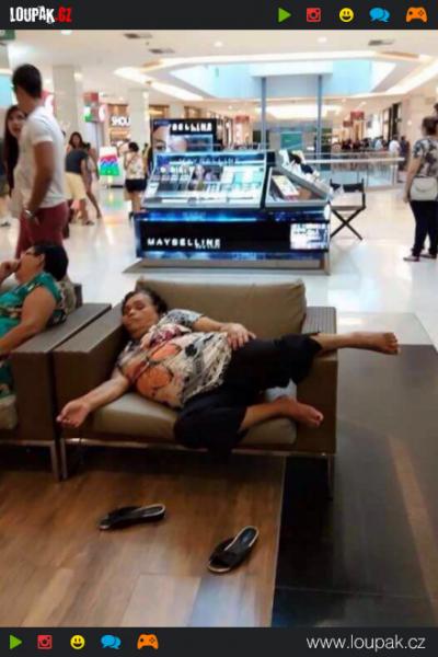 GALERIE - Proč nespat na veřejnosti