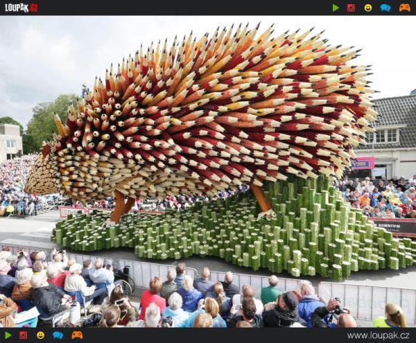 GALERIE - Kreativní vozy z květin
